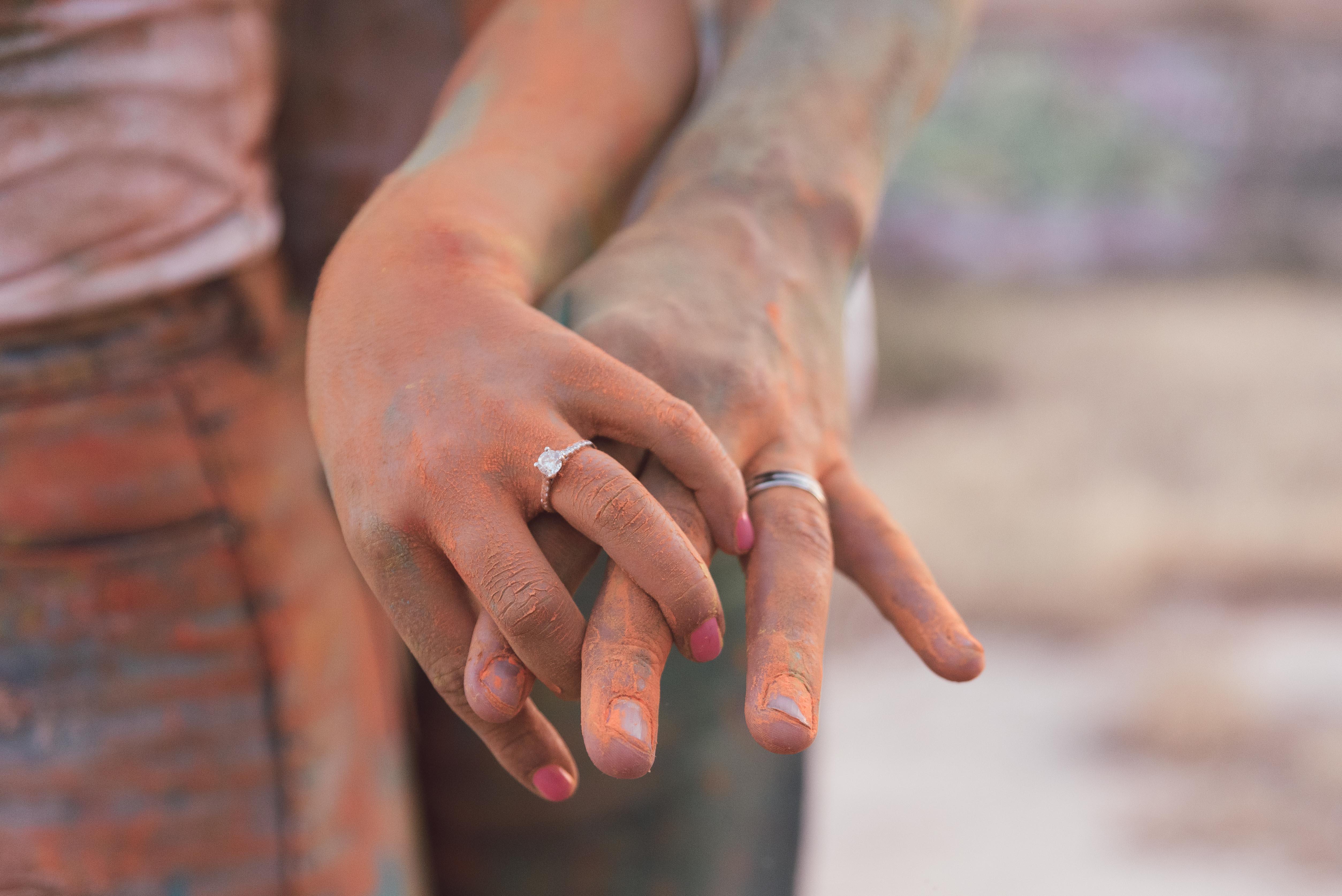 preboda con polvos holi en malaga
