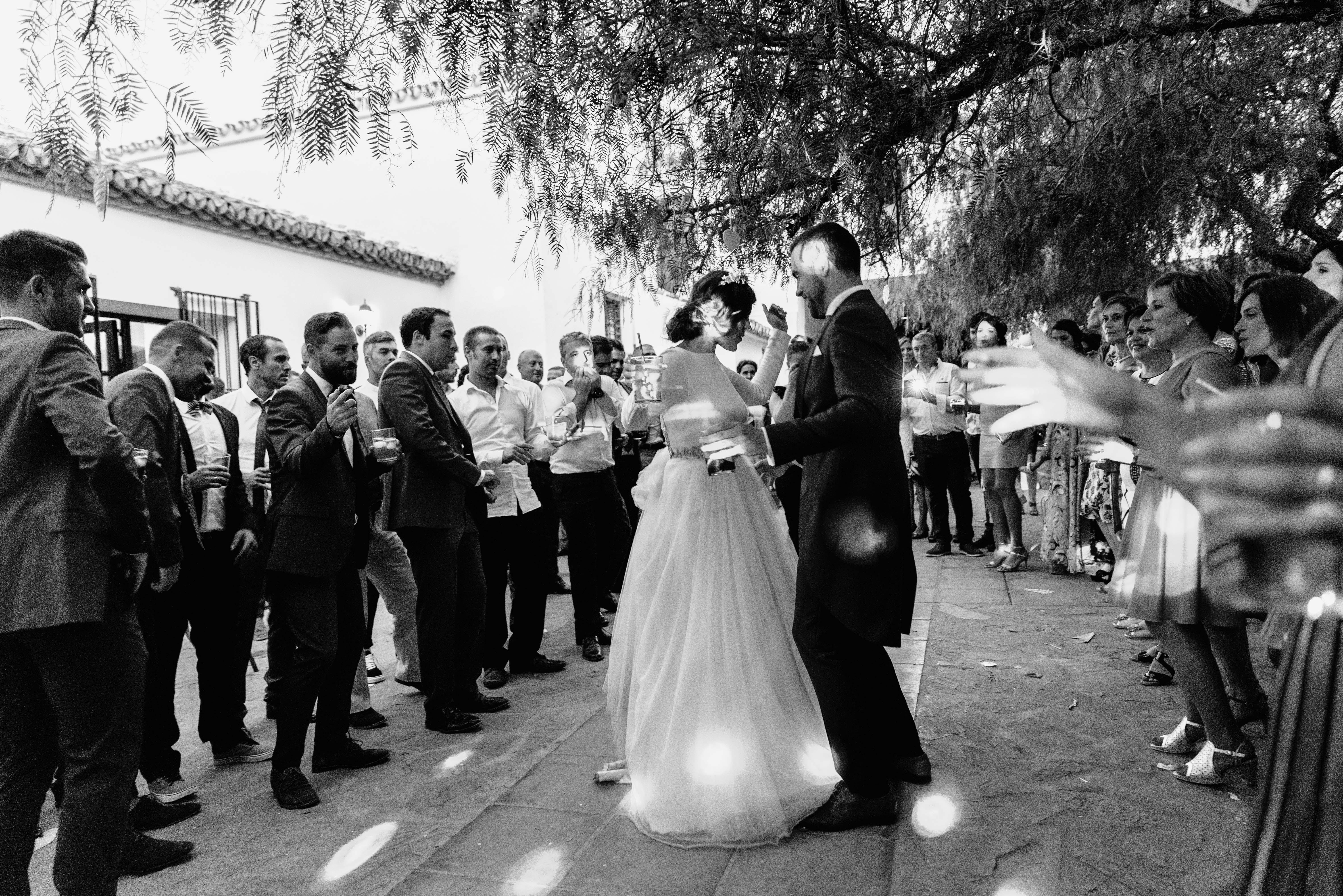 boda de Cris & Fran, una boda en Cortijo el Puntal emotiva, cercana con toques rusticos y vintage